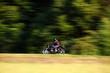 motociclista in velocità