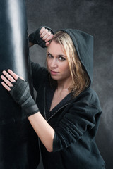 Portrait - training boxing woman blond sexy