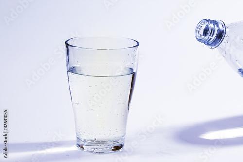klares Wasser im Glas 0087