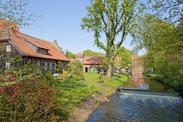 Die Wassermühle und der Glockenturm in Wienhausen