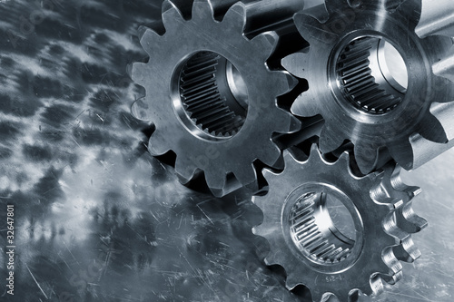 gear wheels of titanium and steel