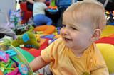 Fototapety aire de jeu joie bébé