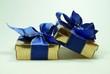 Geschenke mit blauen Band