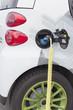 Elektroauto: Stromanschluss bei einem bekannten Serienfahrzeug