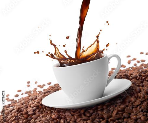 Kaffee spritzend