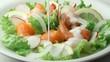 海鮮サラダにドレッシング