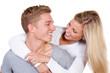 verliebtes junges paar hat spaß