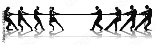 Women versus men business tug of war competition