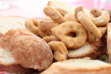 sapori di puglia pane e taralli