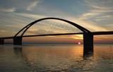 Sonnenuntergang an der Fehmarn-Sund Brücke