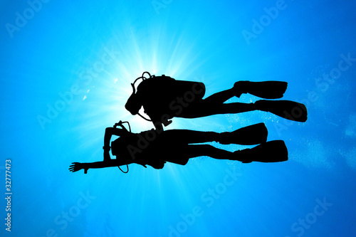 Scuba Divers: Student and Instructor - 32777473
