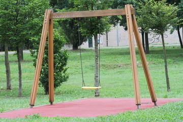 Altalena in un parco giochi
