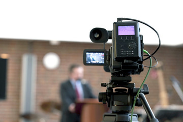 Broadcasting camera on conference meeting
