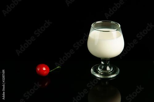 酒杯和樱桃