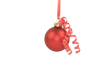 Rote hängende Christbaumkugel