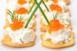 Minihäppchen mit Frischkäse und Kaviar