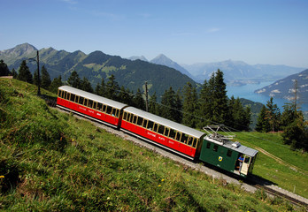 Nostalgische Bergbahn im Berner Oberland