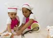 Cuisine - enfants renversant la préparation
