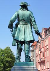 statue in minden #1
