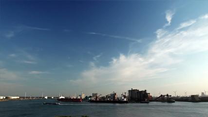 Windkraft und Hafen 07