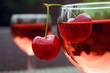 Rotwein mit Kirschen