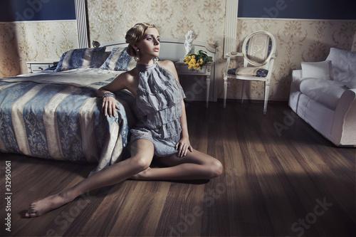 Fototapete Armchair - Attraktiv - Frau