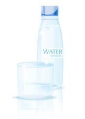 Vaso y botella de agua