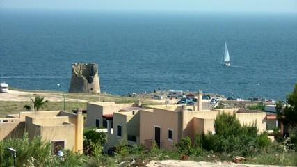 panorama di torre miggiano con barca a vela,s. cesarea terme