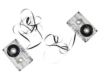 cassette musicali su fondo bianco