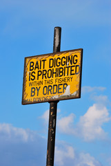 Sign for bait digging