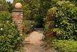 Leinwanddruck Bild - Garteneingang