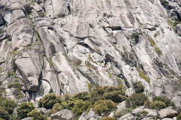 Escaladores ascendiendo el Pico de la Miel, Madrid