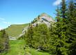Randonneurs sous Le Grand Roc - Bauges (Alpes)