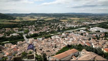 Вид на нгород Крэ сверху. Франция.