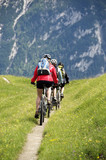 Drei Mountainbikerinnen