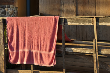 Pink Old Towel Carry Rail