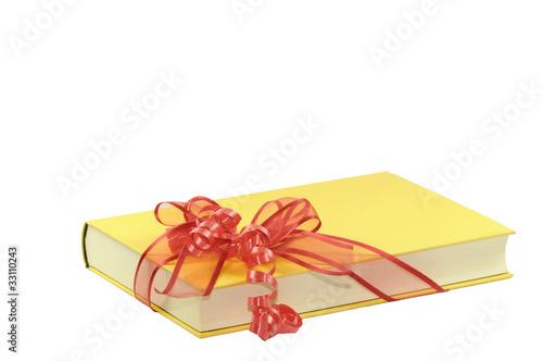 Buch mit Schleife