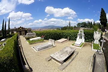Firenze,il Cimitero delle Porte Sante