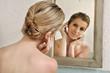 capelli specchio guardare trucco
