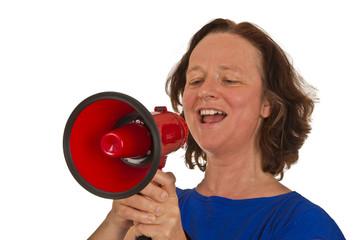 Reife Frau mit Megafon