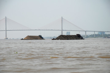 Lastkähne auf dem Mekong