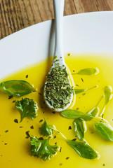 olivenöl - gartenkräuter