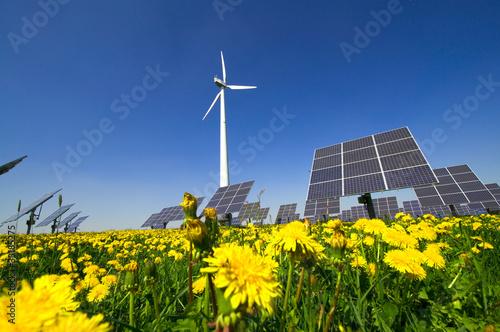 Leinwanddruck Bild Windrad und Solarzellen