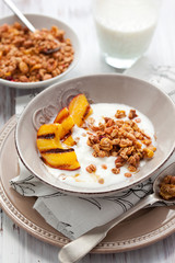muesli,yogurt and grilled peaches