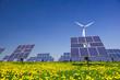 Windrad und Solarzellen