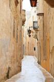 Fototapety Mdina narrow street