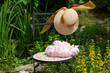 Hut Blumen Garten Dekoration