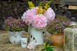 rosa Garten Dekoration Tisch Blumen