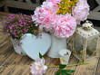 Garten Dekoration Shabby Tisch Blumen