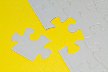 Puzzle gelb